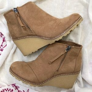Toms Taupe Wedge Booties